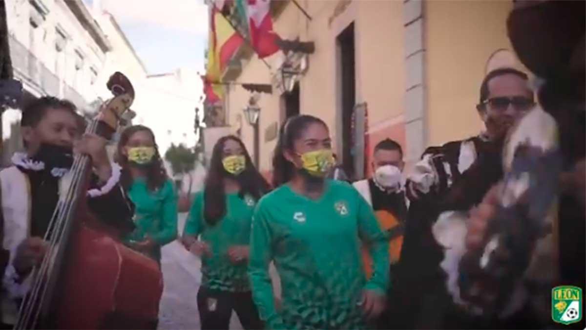 León Femenil anuncia a cuatro refuerzos ¡al ritmo de la estudiantina!