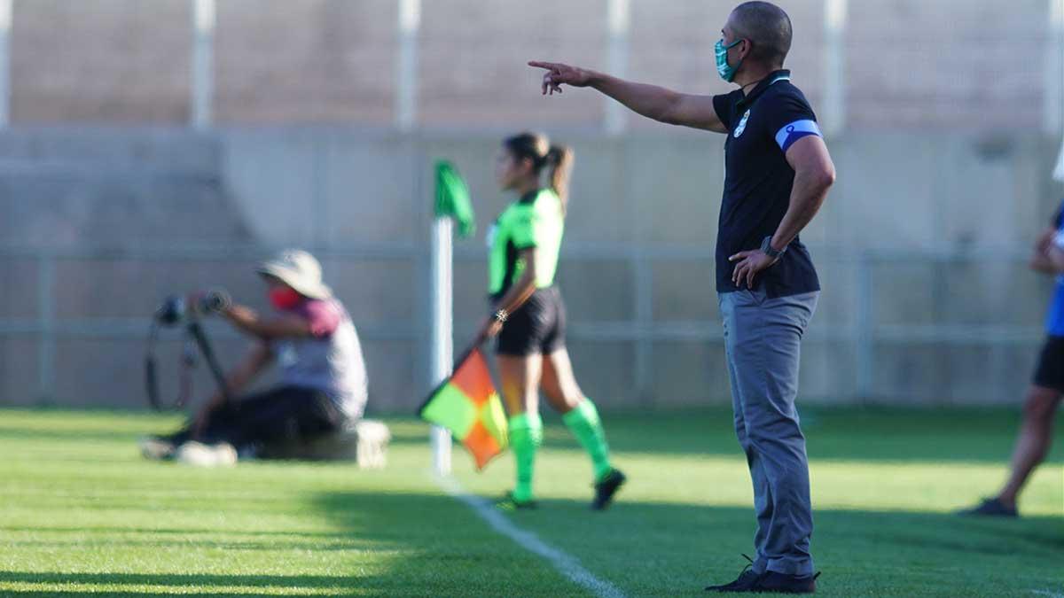 Jorge Campos cree que el árbitro se equivocó y les afectó en el marcador
