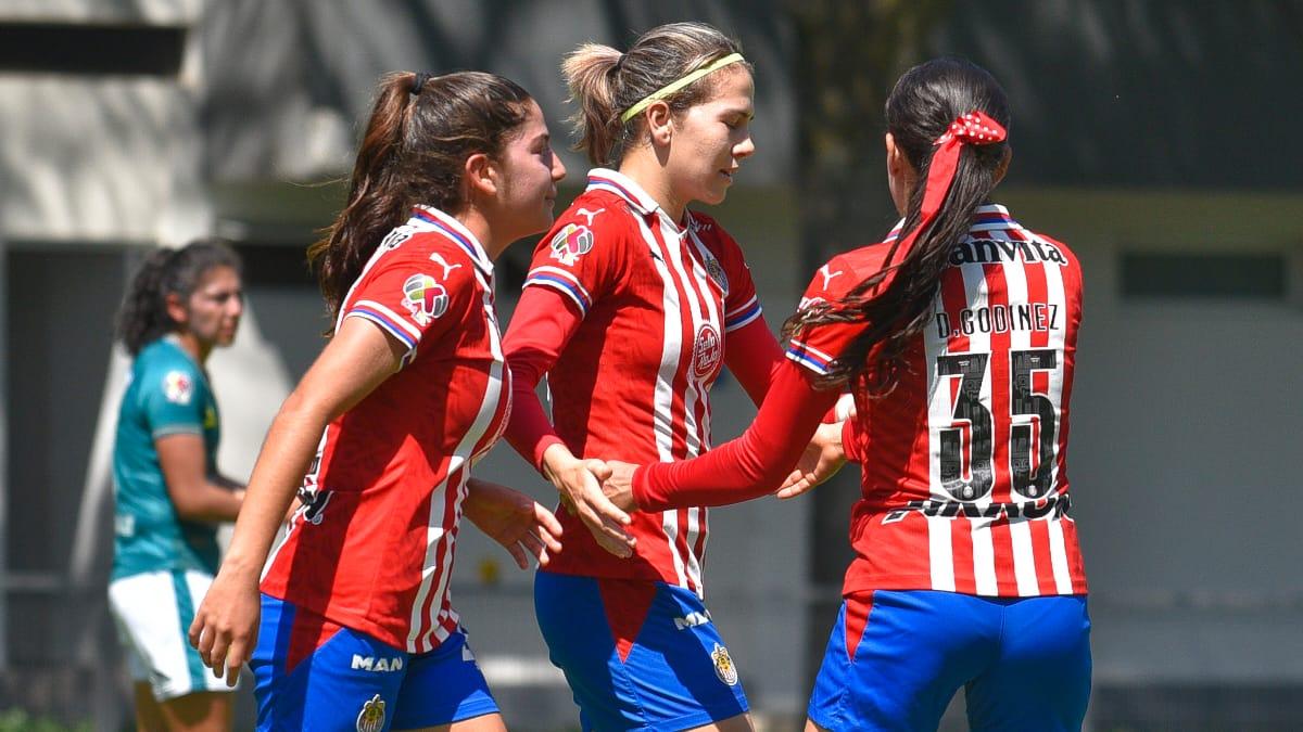 Con un hat-trick de Alicia Cervantes, Chivas femenil aplastó 5-1 al León
