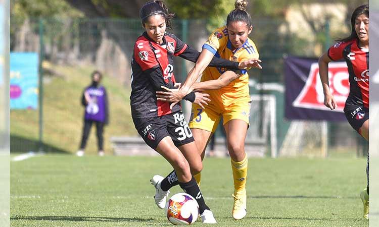Alison González, delantera del Atlas, llega a 50 goles en la Liga MX Femenil
