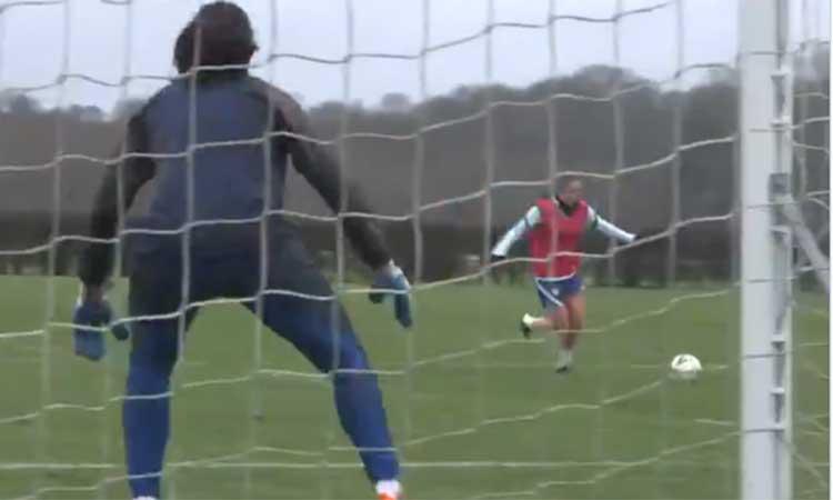 Impresionante golazo en la  práctica del Chelsea