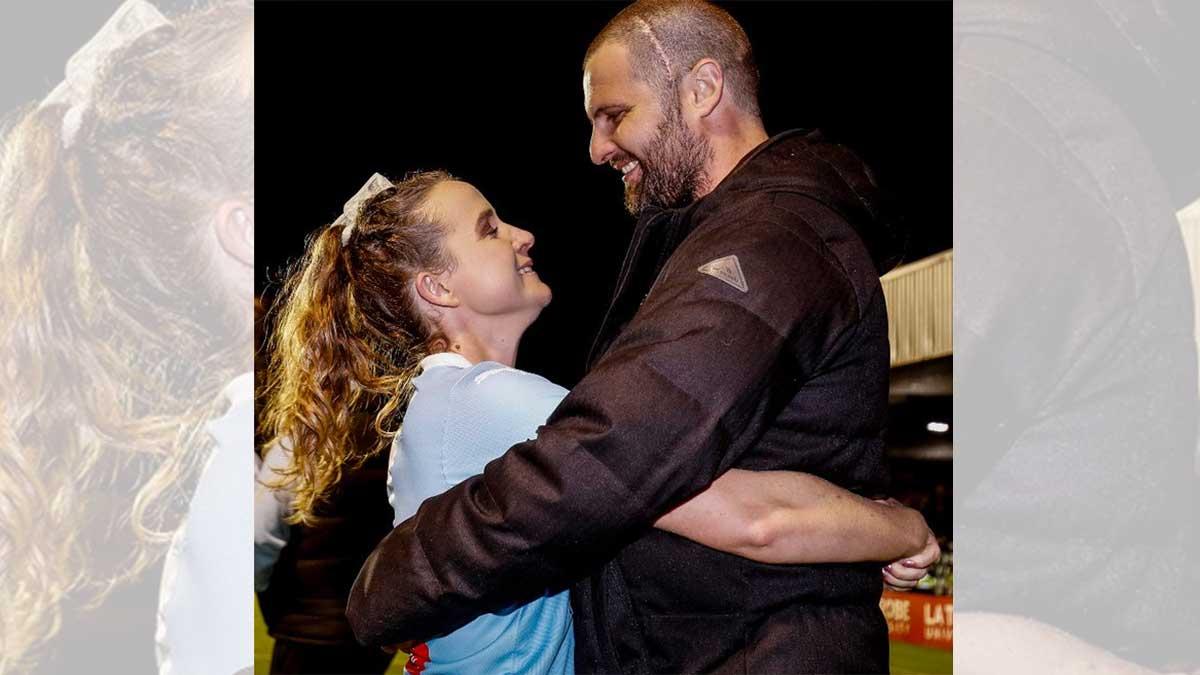 Rhali Dobson se retira para apoyar a su novio  Matt, que sufre cáncer cerebral